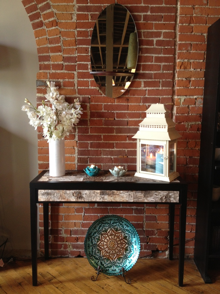 Gift shop finds: Accent table decor