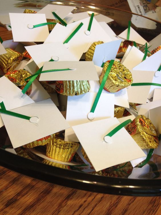 Easy DIY graduation open house party favors.