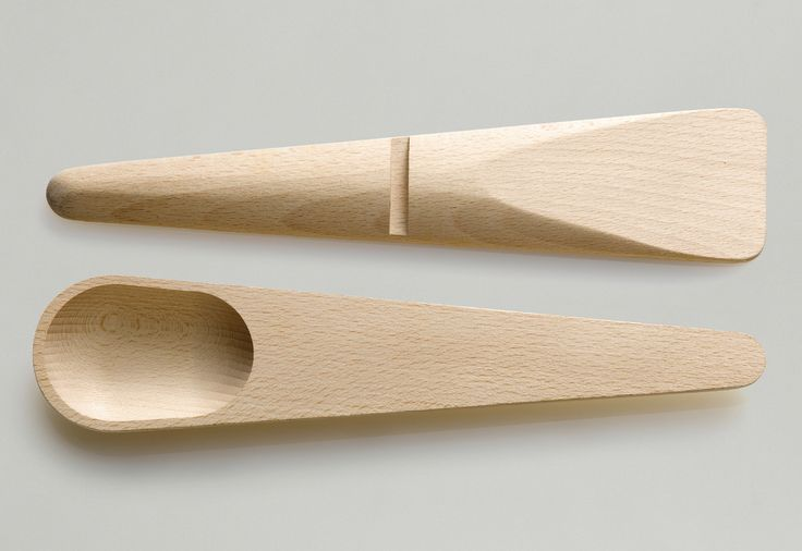 The Hang Around cooking set is made of white Beech and measures in at 11.2…