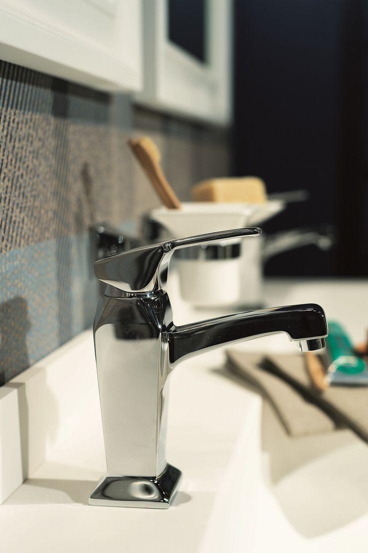 Rubinetteria Heisenberg RB9813 #GaiaMobili #Gaia #bathroom #bagno #bathroomideas #bath #madeinitaly #italian #bathroompics #architect #interior #interiordesign #bathroomideas #design #designer #taps #rubinetteria #faucets #faucet #rubinetto #style #styles #details #chrome #arredobagno #arredamento #classico #bagnoclassico