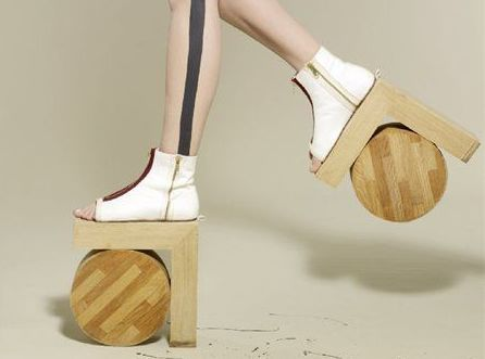 Architectural Shoes : 15 Bizarre-Looking Shoes Nobody Should Ever Wear | TOAT