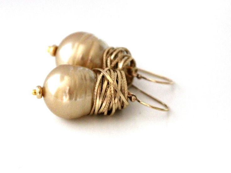 Totally going to make these.    Baroque Pearl Earrings