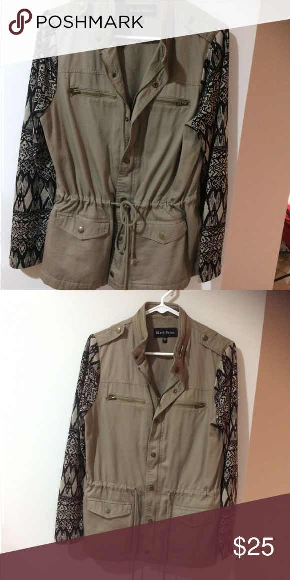 Women's utility jacket Worn a handful of times! Size small. But fits bigger and baggies on a small. Would fit a medium best. Has buttons, zipper and ties to change sizes. Sleeves are soft fabric pattern. Fully functional pockets. Originally $60. Asking $30. All offers considered that stem low balls. Jackets & Coats Utility Jackets