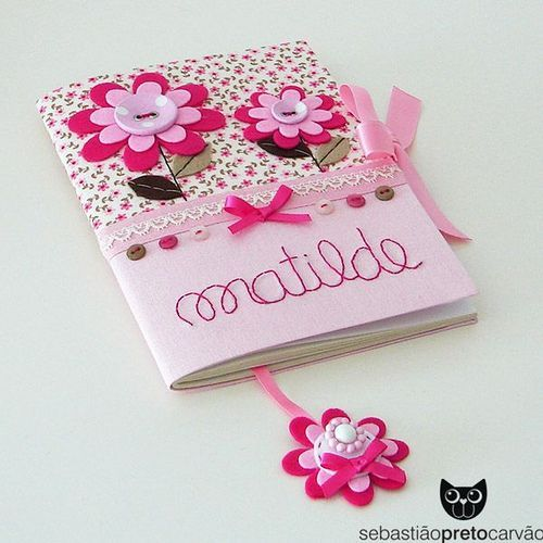 Livro para princesa recem nascida! Lindooooo!