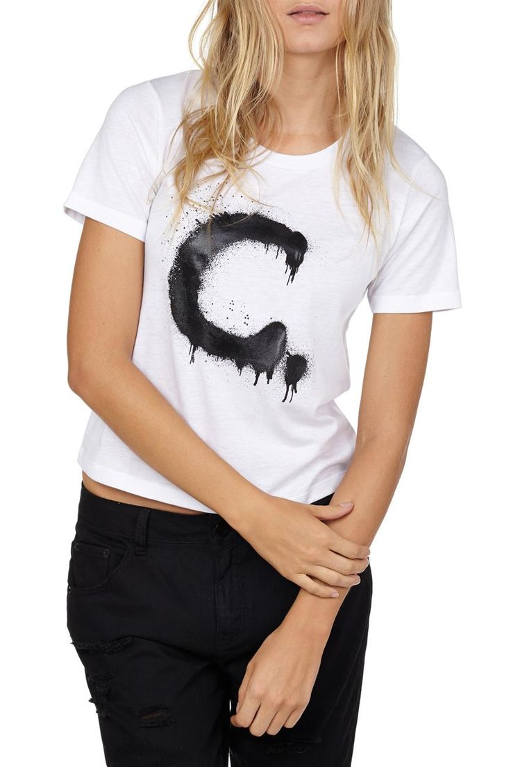 Cut from a lightweight cotton for a relaxed fit, this white short sleeve tee is printed with the letter