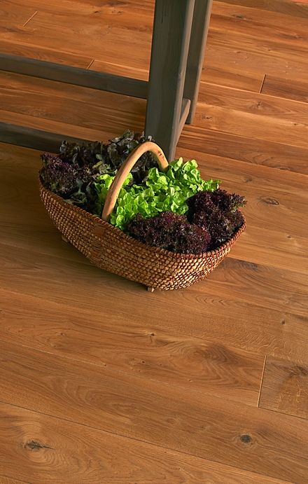 Authentic Oak 12mm Laminate Flooring from €19.95 Sq.Yd
