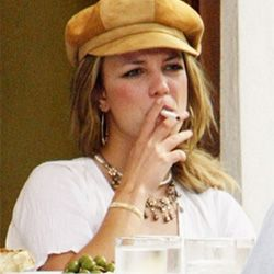 Britney Spears- People Vaping, Electronic Cigarettes, Celebrities who made the switch.