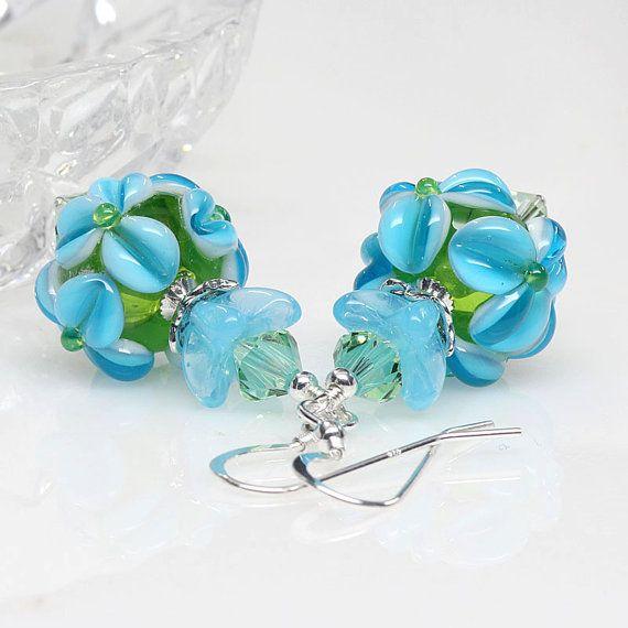 Just beautiful aqua peridot #lampwork earrings #artisan made by @elandradesigns on #etsyau #auswandarrah #inthespotlight