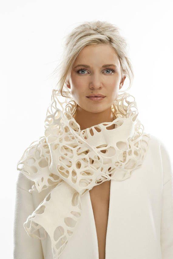 feutre de foulard, Echarpe, foulard en feutre blanc, dentelle en feutrine foulard, élégant foulard, écharpe en laine blanc, écharpe en laine mérinos, foulard unique, dentelle blanche
