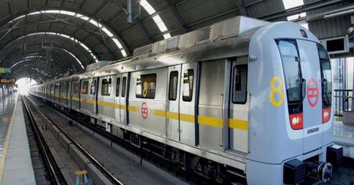 New Delhi: A Central Industrial Security Force (CISF) officer at Azadpur Delhi Metro station opened fire in air after a group of people allegedly manhandled and hit a policeman and other security officials. According to CISF sources, the incident occurred on Monday around 7:37 p.m. at Azadpur...