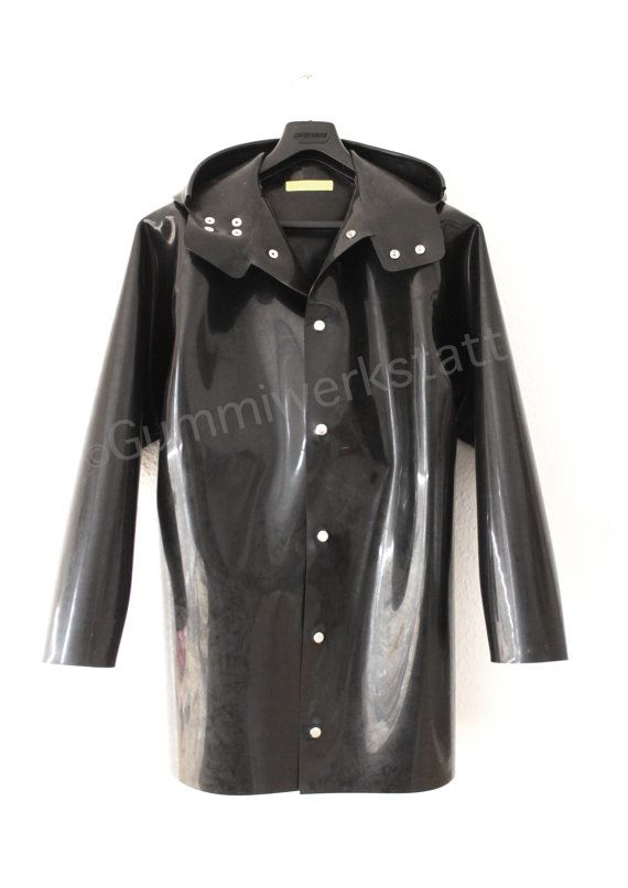 Rubber jacket with attached hood made out of 1,5 mm thick rubber, raglan cut.  The material, Natural Rubber, is smooth and shiny from inner and