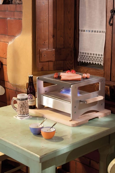 Altrofuoco Chef è una pratica ed elegante bistecchiera in pietra lavica dell'Etna!  #altrofuoco #bbdesign #design #bistecchiera #home #cucina