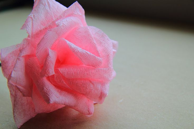 Роза из салфетки. Как сделать красивую розу своими руками. Rose from a napkin. How to make a beautiful rose with his hands.