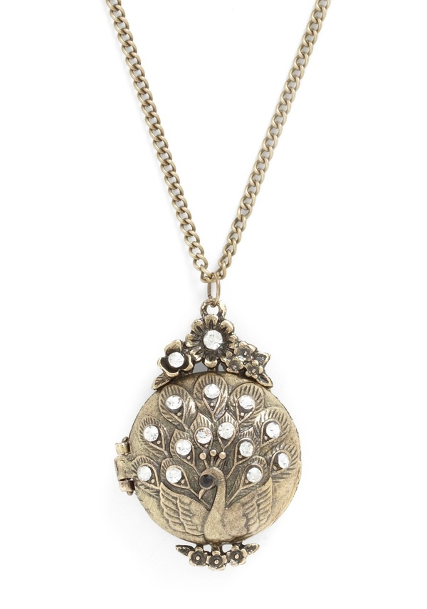 WOW! An amazing new weight loss product sponsored by Pinterest! It worked for me and I didnt even change my diet! Here is where I got it from cutsix.com - Peacock Locket