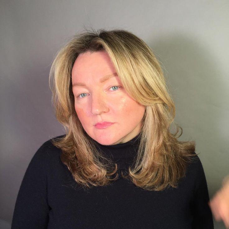 женская стрижка на средние волосы с челкой