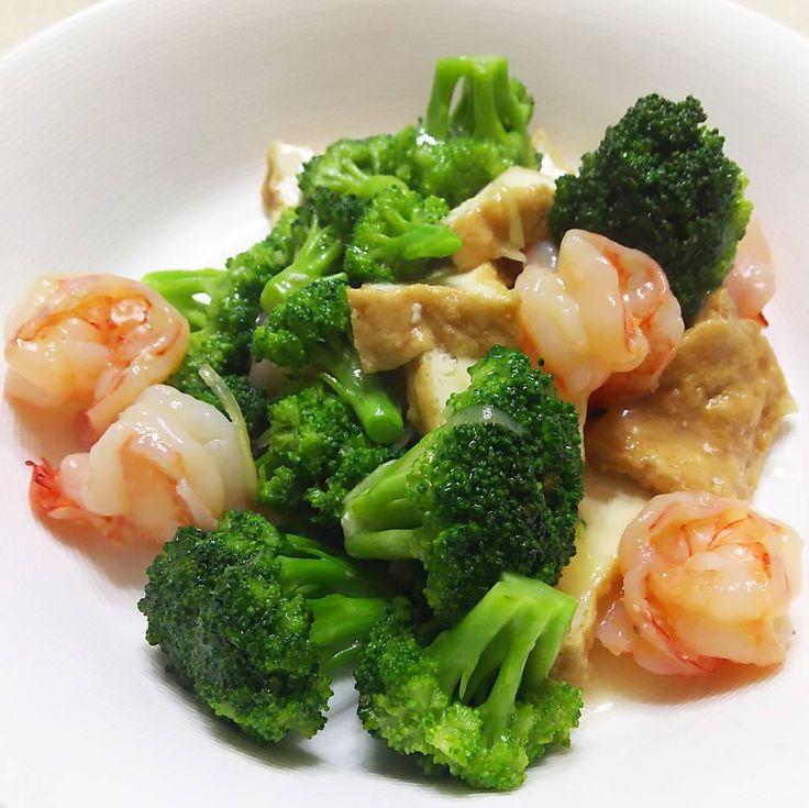 いいね!73件、コメント1件 ― rosa49さん(@rosa.49)のInstagramアカウント: 「#おうちごはん #うち中華 の一皿 #えびとブロッコリーの塩炒め です😄 少し #厚揚げ も足してみた  #chinesefood #shrimp #broccoli #ブロッコリー #中華炒め…」