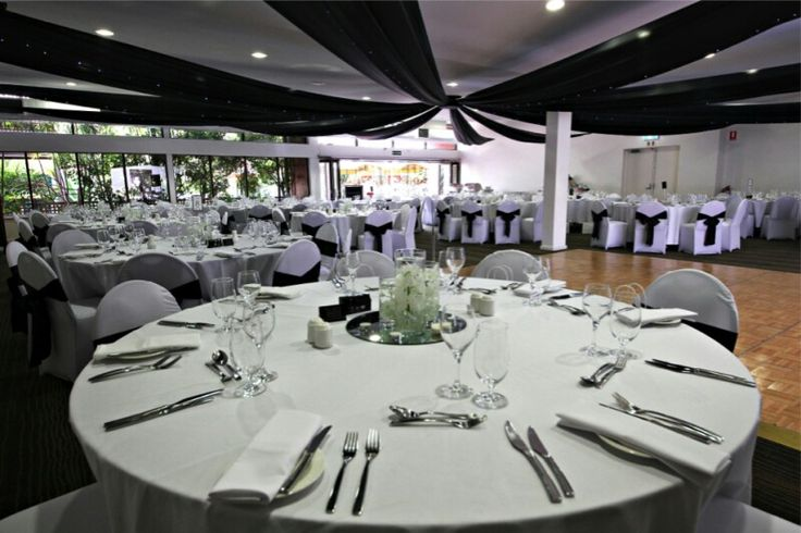 Rothschild room at Perth Zoo; a woman on a forum said she had 130 guests and kept it under $10000! You can hire the carousel too :)
