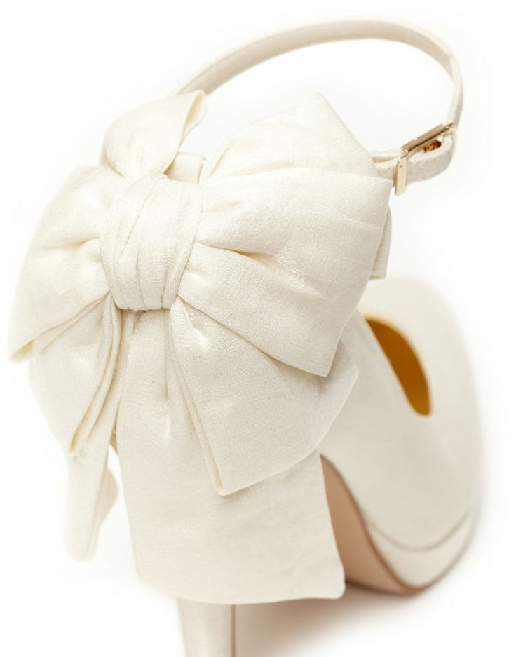 LILIKOI WEDDING SHOES | Crepe Court Shoes in Ivory -  - Style36