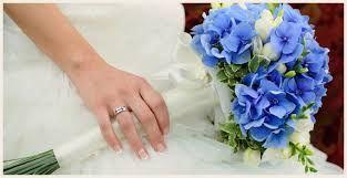 Royal blue flowers are just as gorgeous as a bouquet packed with different colours. A more simplistic, minimal look. #weddingideas #weddinginspiration #2016weddings #ruralweddings #devonweddingvenue #weddingflowers