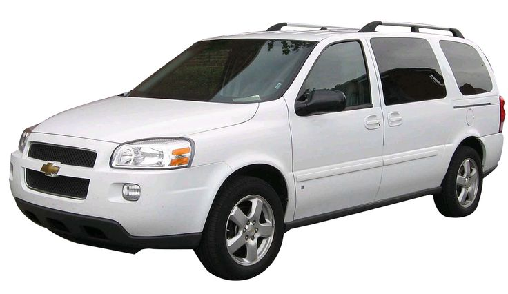 Chevy Uplander: The Chevy Uplander has been designed based on the traditional minivan, so it is not surprisingly spacious and known to have good performance too. For your long road trips with the whole family this family car is just an ideal