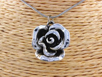 Ox-silver Plated Rose Flower Pendant Necklace. I love roses in jewellery!