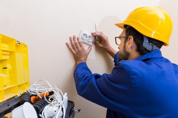 Guia Para Instalacao Eletrica Electrician Work Electrician Emergency Electrician