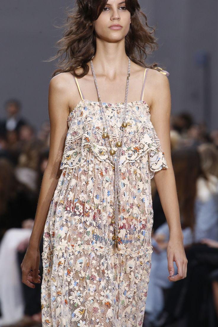 Chloé Spring 2016 Ready-to-Wear Fashion Show - Lena Hardt