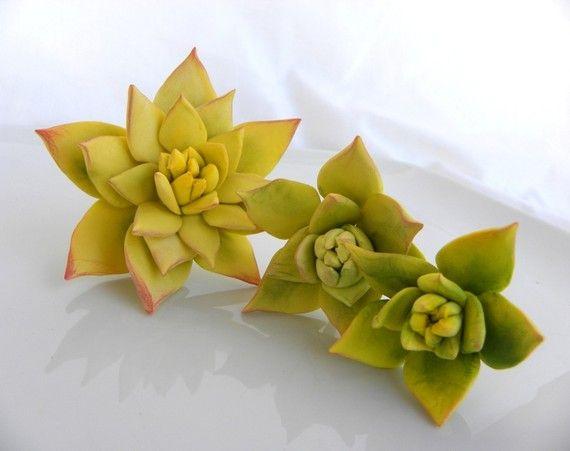 Sugar succulents for cakes.  Pretty!