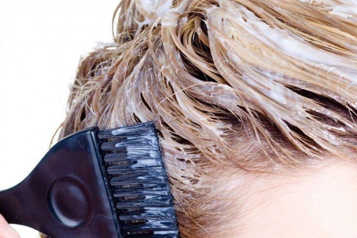 IOGURTE: Alimento poderoso para os cabelos  por conter proteínas, cálcio, vitamina A e vitaminas do complexo B. Funciona tanto para tratamento de caspa e coceiras no couro cabeludo, como hidratação para reaver o brilho e maciez fortalecendo os fios. Usado com óleos, como de coco, de aloe vera e amêndoas (depois de aplicado, deixar agir por um tempo e então lavar), os cabelos terão vida nova. Aplicado diretamente no couro cabeludo, acalmará  a coceira e diminuirá a caspa