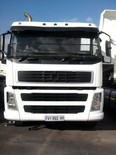 A 2006 VOLVO FH 400 WITH A VERY LOW MILEAGE OF 450.000 KMS GOING FOR SALE AT A REASONABLE PRICE. WE HAVE ABOUT 20 TO CHOOSE FROM. CALL MAX NOW ON ( 27745457172) FOR MORE DETAILS.
