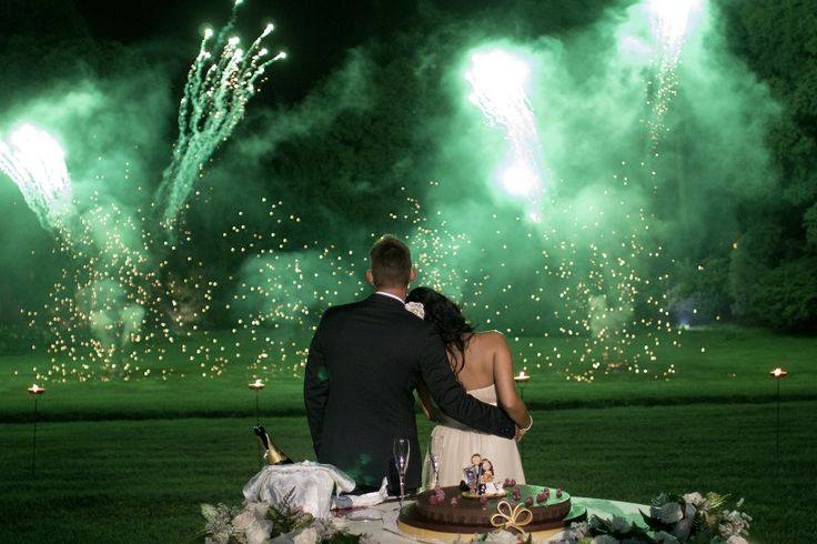 Fontane di fuoco freddo, fuochi d'artificio durante il taglio della torta a Villa Caroli Zanchi