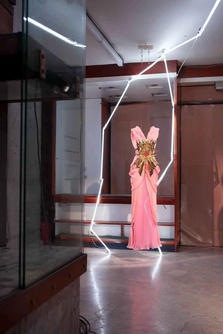 Saw this dress at LACMA- it's sooooOo dreamy