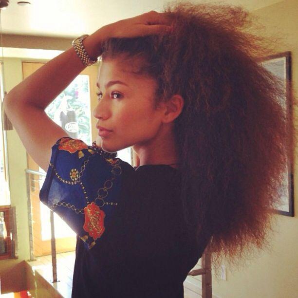 Zendaya's natural hair. I'm loving it
