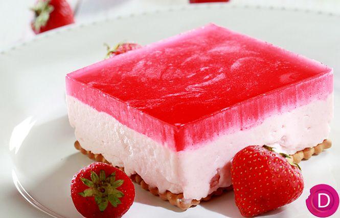 Φραουλόγλυκο ψυγείου με ζελέ και γιαούρτι | Dina Nikolaou