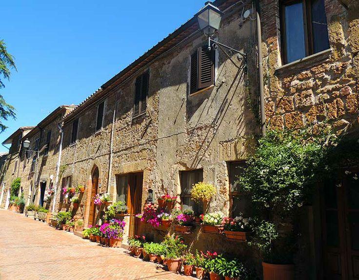 Sovana, Tuscany - Typical street scene