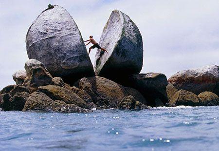 Weird World Wonders: Split Apple Rock, New Zealand