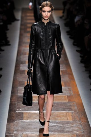 Valentino. Gorgeous detailing on this leather coat.: Valentino Fall, Paris Fashion Week, Fashion Week, Fall2012, Fall 2012, Red Lace Dresses, Leather Dresses, Fall Winter, Haute Couture