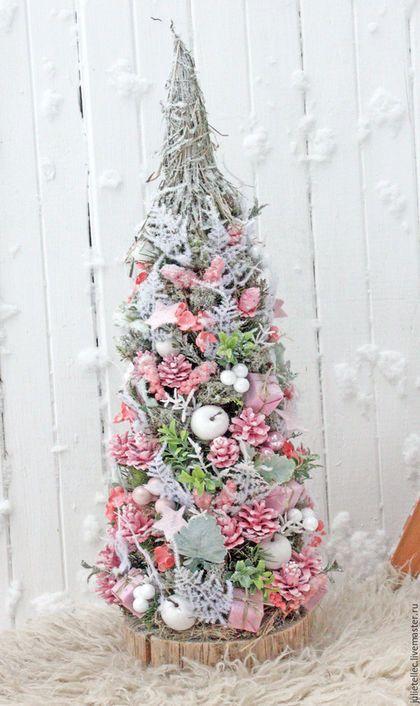 Купить или заказать Шебби Ель в интернет-магазине на Ярмарке Мастеров. Настольная елочка в нежных розовых тонах.