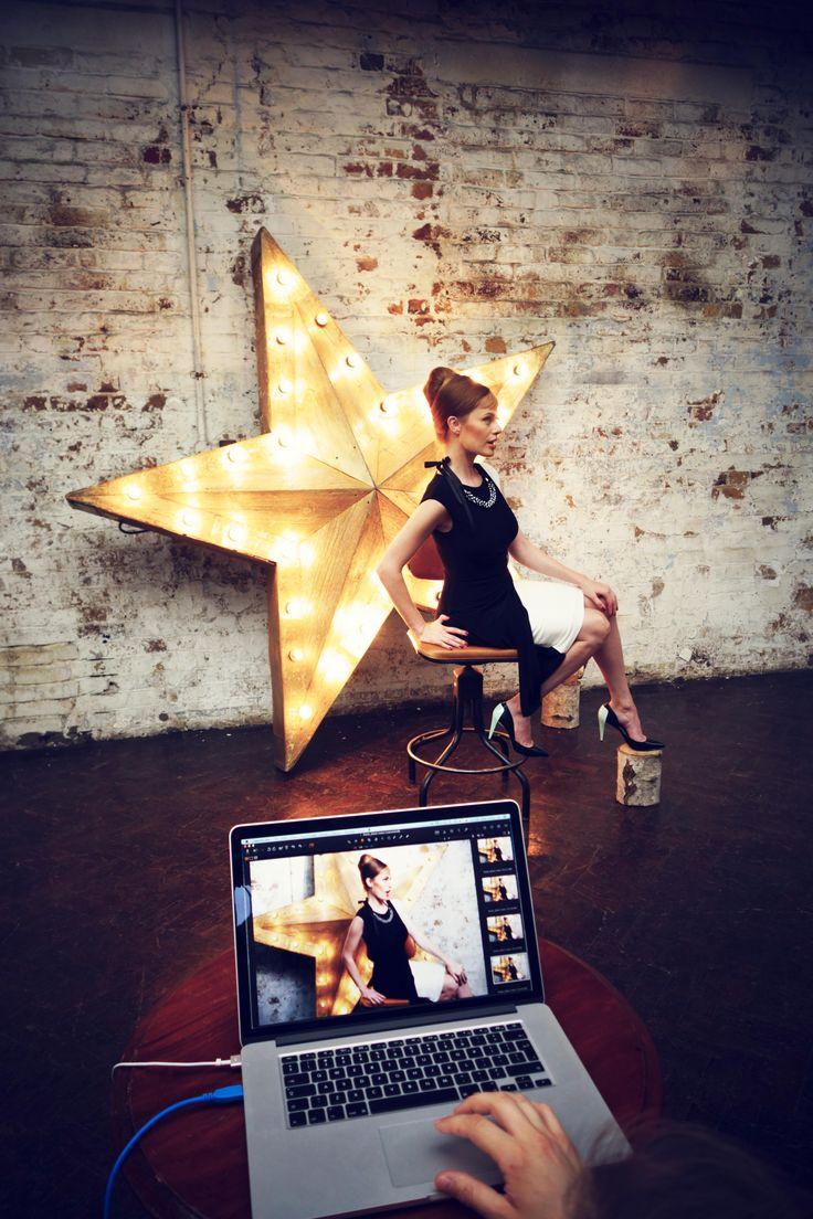 W czerni i bieli każda kobieta może poczuć się jak gwiazda! #Backstage #QSQ #Photo #Photography #Black&White #BW #Star #Model