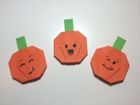 Pompoentjes vouwen van papier bij thema Halloween of seizoenen