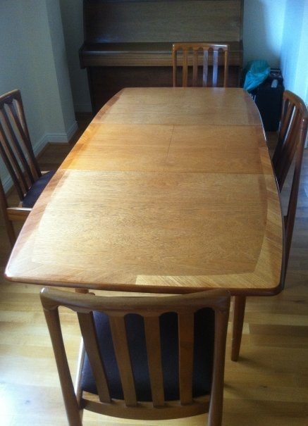 meredew avalon dining table and four chairs ebay mid. Black Bedroom Furniture Sets. Home Design Ideas