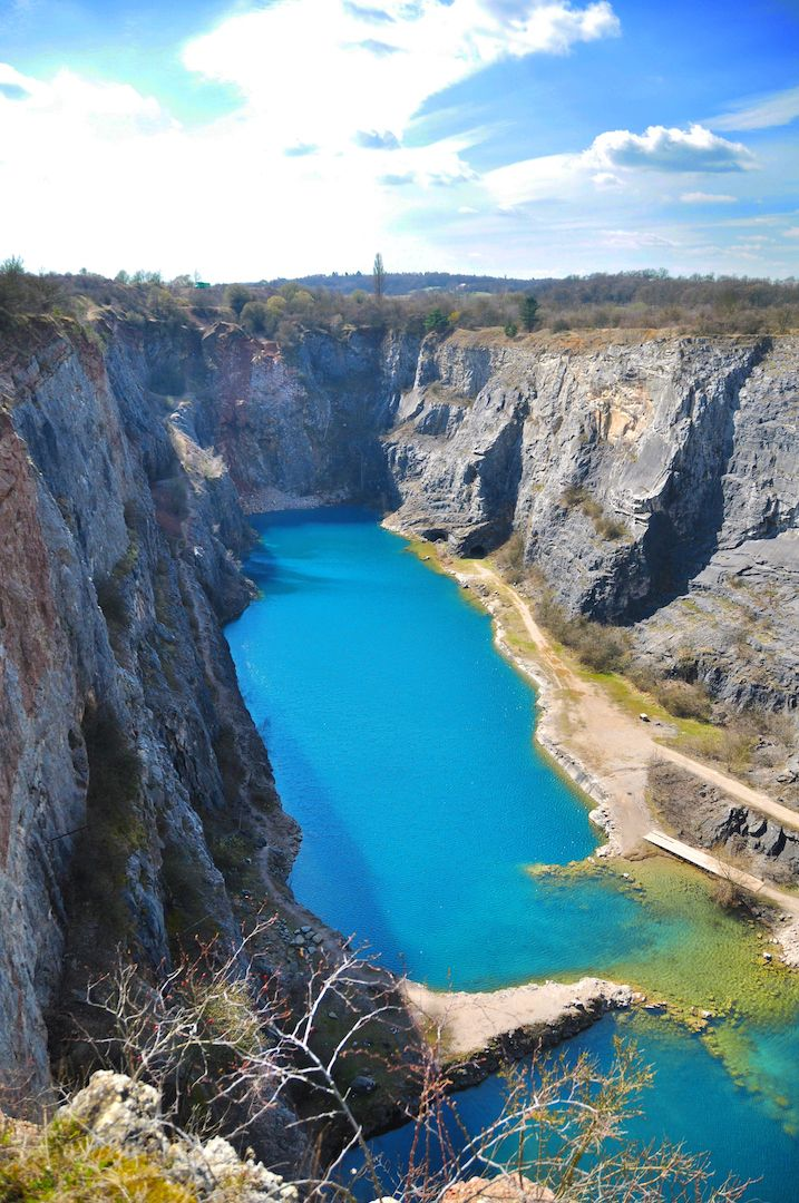 Velka Amerika: an abandoned limestone quarry