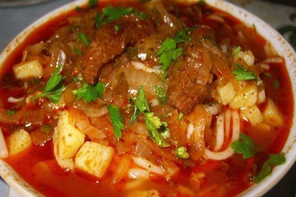 Лагман (узбекский густой суп) http://mysadzagotovki.ru/lagman-uzbekskij-gustoj-sup/  Это вкусный суп, который больше похож на лапшу с густой подливой. В идеале готовится с домашней лапшой (самодельной) и большим количеством овощей и баранины.  Состав — Говядина или баранина 300-400 гр. — Тонкая длинная лапша или спагетти 500 гр. — Лук репчатый 2 шт. — Морковь 1 шт. — Картофель 2-3 шт. — Перец […]