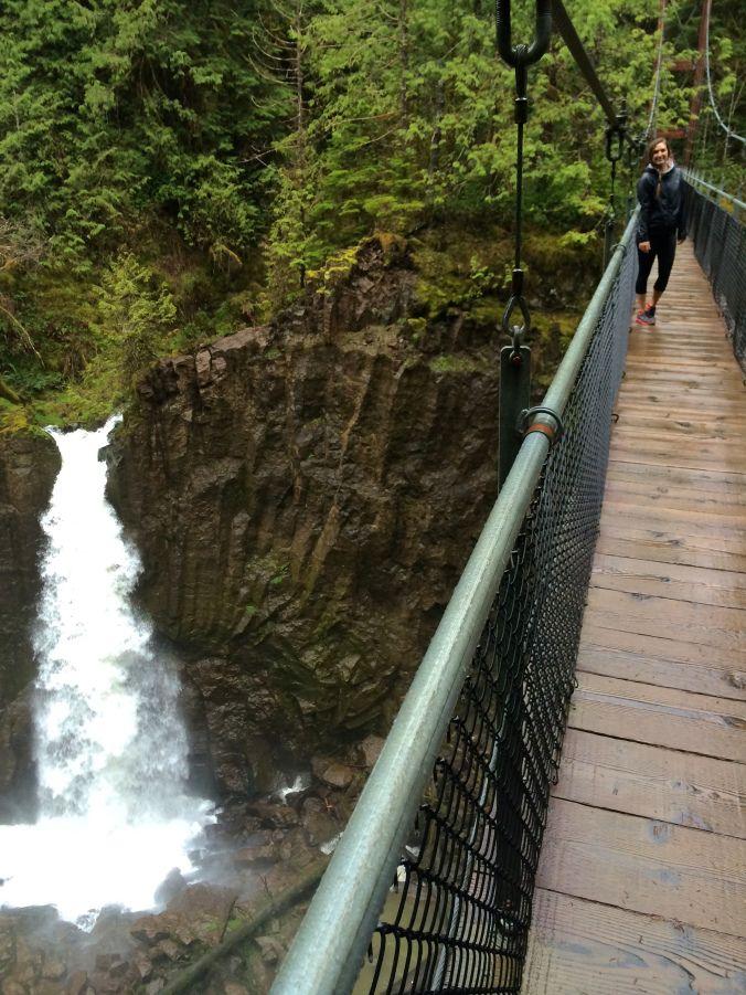 10 Beautiful Spring Hikes In Oregon Spring Hiking Oregon Hikes Explore Oregon
