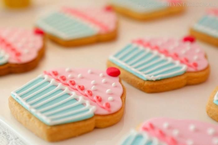 Adorable cupcake cookies at a Cupcake Shoppe 1st Birthday Party with lots of really cute ideas (via Kara's Party Ideas).