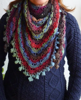 Love the edging. South bay shawlette. Tutorial