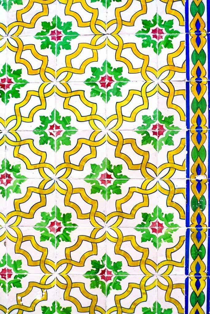 Joyeux Noël DIY boules à motifs Lisbonne azulejos à télécharger sur le blog Les Trafiquantes