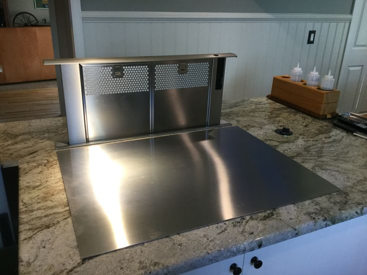 Bosch Downdraft vent DHD3014UC with Remote Blower DHG6023RUC and transition DHZDHR6. Cook-N-Dine MO-80 (Teppanyaki Grill Cook Top)