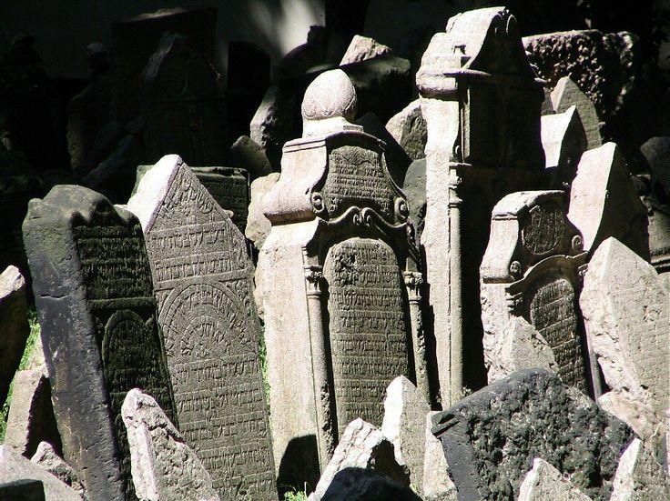 http://guias-viajar.com/chequia/ Cementerio en el Barrio Judío de Praga