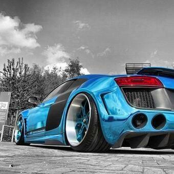 Audi R8. Great color!!!